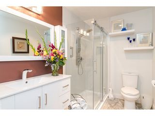 """Photo 19: 304 14950 THRIFT Avenue: White Rock Condo for sale in """"The Monterey"""" (South Surrey White Rock)  : MLS®# R2526137"""