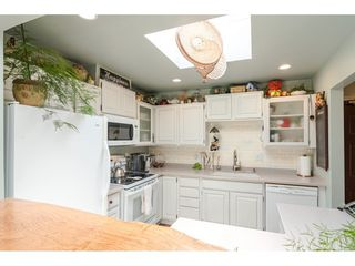 """Photo 13: 304 14950 THRIFT Avenue: White Rock Condo for sale in """"The Monterey"""" (South Surrey White Rock)  : MLS®# R2526137"""