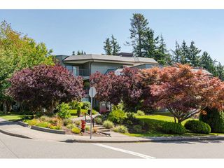 """Photo 2: 304 14950 THRIFT Avenue: White Rock Condo for sale in """"The Monterey"""" (South Surrey White Rock)  : MLS®# R2526137"""
