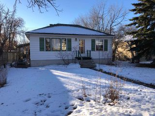 Main Photo: 635 21 Avenue NW in Calgary: Mount Pleasant Detached for sale : MLS®# A1060651