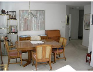 "Photo 3: 304 6820 RUMBLE Street in Burnaby: South Slope Condo for sale in ""GOVERNORS WALK"" (Burnaby South)  : MLS®# V642206"