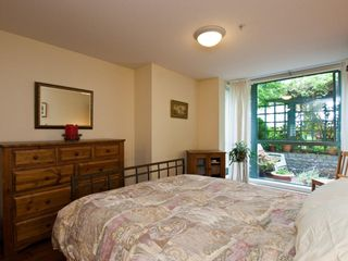 """Photo 9: # 202 212 LONSDALE AV in North Vancouver: Lower Lonsdale Condo for sale in """"Two One Two"""" : MLS®# V893037"""