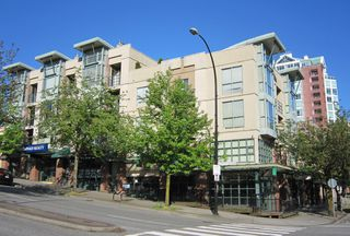 """Photo 2: # 202 212 LONSDALE AV in North Vancouver: Lower Lonsdale Condo for sale in """"Two One Two"""" : MLS®# V893037"""