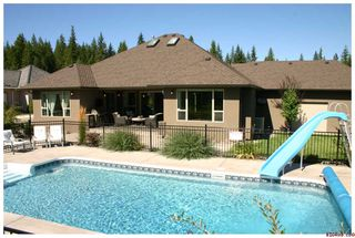 Photo 1: 2714 Golf Course Drive in Blind Bay: Golf Course Drive Residential Detached for sale : MLS®# 10034626
