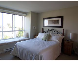 """Photo 6: 6711 VILLAGE GREEN BB in Burnaby: Middlegate BS Townhouse for sale in """"MONTEREY"""" (Burnaby South)  : MLS®# V662425"""