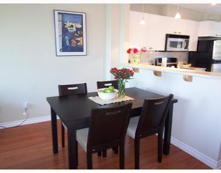 """Photo 4: 6711 VILLAGE GREEN BB in Burnaby: Middlegate BS Townhouse for sale in """"MONTEREY"""" (Burnaby South)  : MLS®# V662425"""