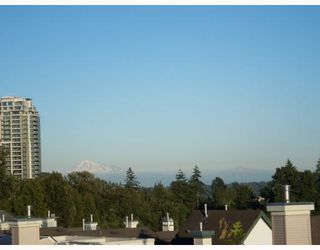 """Photo 9: 6711 VILLAGE GREEN BB in Burnaby: Middlegate BS Townhouse for sale in """"MONTEREY"""" (Burnaby South)  : MLS®# V662425"""