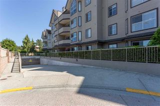 Main Photo: 301 12464 191B Street in Pitt Meadows: Mid Meadows Condo for sale : MLS®# R2394169