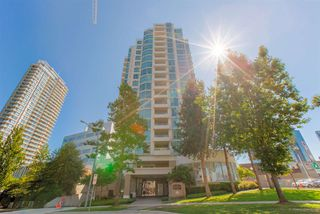 "Photo 1: 1604 4788 HAZEL Street in Burnaby: Forest Glen BS Condo for sale in ""SPECTRUM"" (Burnaby South)  : MLS®# R2403135"