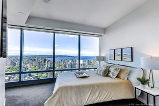 """Photo 8: 4202 1151 W GEORGIA Street in Vancouver: Coal Harbour Condo for sale in """"TRUMP TOWER"""" (Vancouver West)  : MLS®# R2421845"""