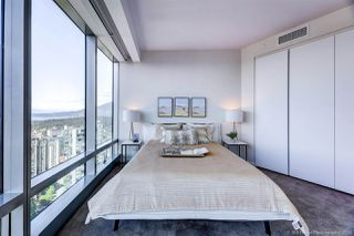 """Photo 9: 4202 1151 W GEORGIA Street in Vancouver: Coal Harbour Condo for sale in """"TRUMP TOWER"""" (Vancouver West)  : MLS®# R2421845"""