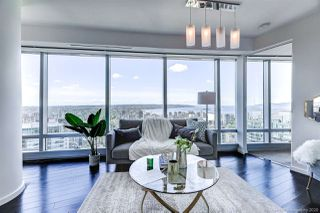 """Photo 11: 4202 1151 W GEORGIA Street in Vancouver: Coal Harbour Condo for sale in """"TRUMP TOWER"""" (Vancouver West)  : MLS®# R2421845"""