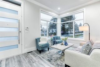 """Photo 2: 15346 28 Avenue in Surrey: King George Corridor House for sale in """"Sunny side"""" (South Surrey White Rock)  : MLS®# R2422882"""