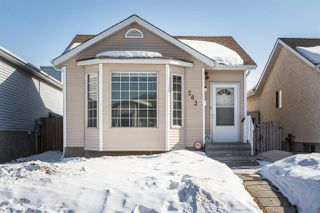 Photo 2: 263 KIRKWOOD Avenue in Edmonton: Zone 29 House for sale : MLS®# E4191993