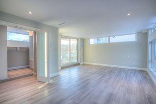 Photo 12: 6778 CORBOULD Road in Tsawwassen: Boundary Beach House for sale : MLS®# R2448630