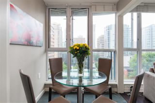 """Photo 14: 1107 1068 HORNBY Street in Vancouver: Downtown VW Condo for sale in """"THE CANADIAN AT WALL CENTRE"""" (Vancouver West)  : MLS®# R2463676"""
