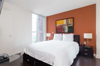 """Photo 10: 1107 1068 HORNBY Street in Vancouver: Downtown VW Condo for sale in """"THE CANADIAN AT WALL CENTRE"""" (Vancouver West)  : MLS®# R2463676"""