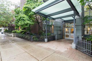 """Photo 2: 1107 1068 HORNBY Street in Vancouver: Downtown VW Condo for sale in """"THE CANADIAN AT WALL CENTRE"""" (Vancouver West)  : MLS®# R2463676"""