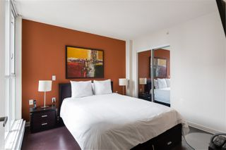 """Photo 9: 1107 1068 HORNBY Street in Vancouver: Downtown VW Condo for sale in """"THE CANADIAN AT WALL CENTRE"""" (Vancouver West)  : MLS®# R2463676"""