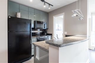 """Photo 6: 1107 1068 HORNBY Street in Vancouver: Downtown VW Condo for sale in """"THE CANADIAN AT WALL CENTRE"""" (Vancouver West)  : MLS®# R2463676"""