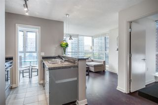 """Photo 8: 1107 1068 HORNBY Street in Vancouver: Downtown VW Condo for sale in """"THE CANADIAN AT WALL CENTRE"""" (Vancouver West)  : MLS®# R2463676"""