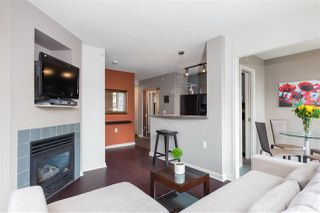 """Photo 15: 1107 1068 HORNBY Street in Vancouver: Downtown VW Condo for sale in """"THE CANADIAN AT WALL CENTRE"""" (Vancouver West)  : MLS®# R2463676"""