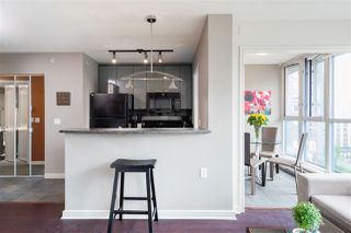 """Photo 5: 1107 1068 HORNBY Street in Vancouver: Downtown VW Condo for sale in """"THE CANADIAN AT WALL CENTRE"""" (Vancouver West)  : MLS®# R2463676"""