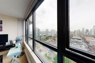 Photo 3: 2209 977 MAINLAND Street in Vancouver: Yaletown Condo for sale (Vancouver West)  : MLS®# R2466094