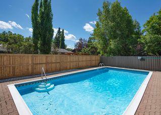 Main Photo: 227 OAKFERN Way SW in Calgary: Oakridge Detached for sale : MLS®# A1012091