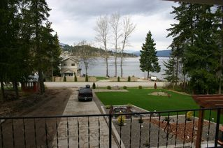 Photo 12: 2022 Eagle Bay Road in Blind Bay: Waterfront Residential Detached for sale : MLS®# 9166301
