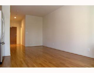 """Photo 4: 1012 1333 W GEORGIA Street in Vancouver: Coal Harbour Condo for sale in """"QUBE"""" (Vancouver West)  : MLS®# V658103"""
