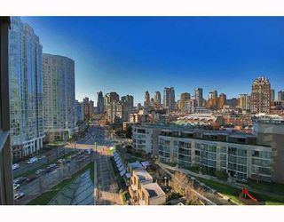 "Photo 5: 1502 1009 EXPO Boulevard in Vancouver: Downtown VW Condo for sale in ""LANDMARK 33"" (Vancouver West)  : MLS®# V680406"