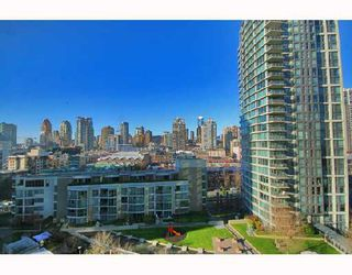 "Photo 6: 1502 1009 EXPO Boulevard in Vancouver: Downtown VW Condo for sale in ""LANDMARK 33"" (Vancouver West)  : MLS®# V680406"