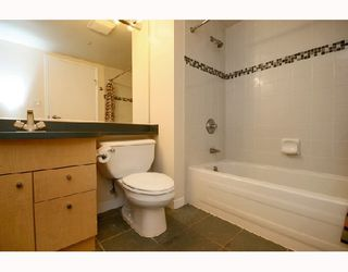 "Photo 9: 1502 1009 EXPO Boulevard in Vancouver: Downtown VW Condo for sale in ""LANDMARK 33"" (Vancouver West)  : MLS®# V680406"