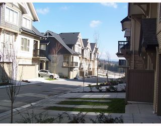 "Photo 2: 25 1362 PURCELL Drive in Coquitlam: Westwood Plateau Townhouse for sale in ""WHITETAIL LAND"" : MLS®# V697297"