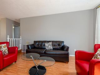 Photo 4: 71 Whitefield Close NE in Calgary: Whitehorn Detached for sale : MLS®# A1020344