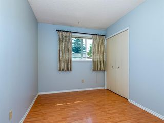 Photo 15: 71 Whitefield Close NE in Calgary: Whitehorn Detached for sale : MLS®# A1020344