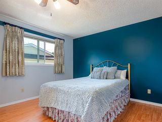 Photo 12: 71 Whitefield Close NE in Calgary: Whitehorn Detached for sale : MLS®# A1020344