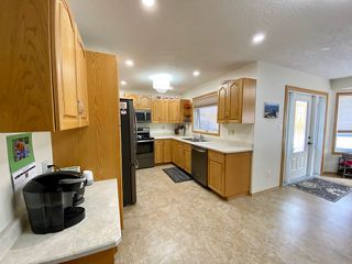 Photo 3: 1805 10 Avenue: Wainwright House for sale (MD of Wainwright)  : MLS®# A1036782
