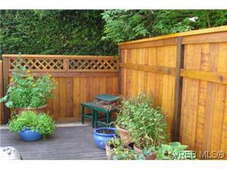 Photo 7: 601 640 Broadway Street in VICTORIA: SW Glanford Townhouse for sale (Saanich West)  : MLS®# 296652