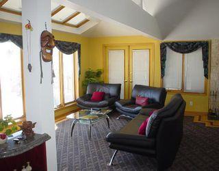 Photo 3: 18 SANDSTONE (WPG) Place in WINNIPEG: Fort Garry / Whyte Ridge / St Norbert Residential for sale (South Winnipeg)  : MLS®# 2803572