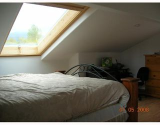 """Photo 10: 1259 PINEWOOD in North_Vancouver: Norgate House for sale in """"NORGATE"""" (North Vancouver)  : MLS®# V706597"""