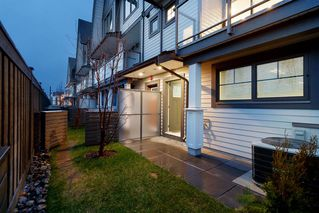 """Photo 18: 214 19451 SUTTON Avenue in Pitt Meadows: South Meadows Townhouse for sale in """"NATURES WALK"""" : MLS®# R2433863"""