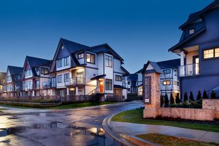 """Photo 2: 214 19451 SUTTON Avenue in Pitt Meadows: South Meadows Townhouse for sale in """"NATURES WALK"""" : MLS®# R2433863"""