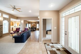 Photo 3: 82 KINGSBURY Crescent: St. Albert House for sale : MLS®# E4197642