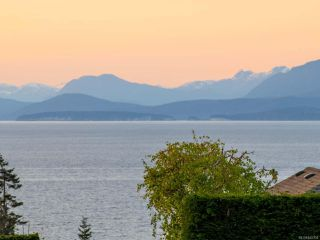Photo 3: 5658 Oceanview Terr in NANAIMO: Na North Nanaimo House for sale (Nanaimo)  : MLS®# 845350