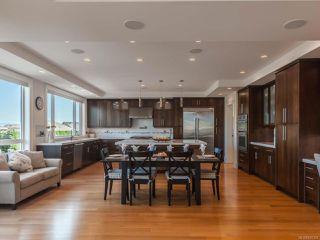 Photo 4: 5658 Oceanview Terr in NANAIMO: Na North Nanaimo House for sale (Nanaimo)  : MLS®# 845350