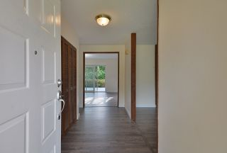 Photo 3: 1553 LARCHBERRY Way in Gibsons: Gibsons & Area House for sale (Sunshine Coast)  : MLS®# R2481399