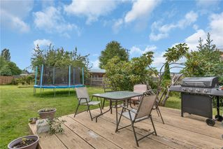 Photo 17: 1660 Redwood St in : CR Campbellton House for sale (Campbell River)  : MLS®# 855307