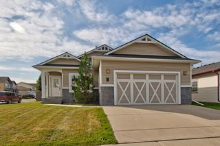 Photo 2: 717 Stonehaven Drive: Carstairs Detached for sale : MLS®# A1030749